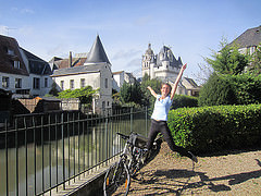 @LeVeloVoyageur Loches à vélo