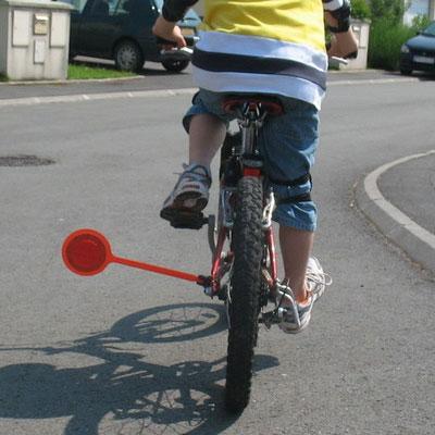 Séjour à vélo avec enfants ecarteur-de-danger-pour-velo