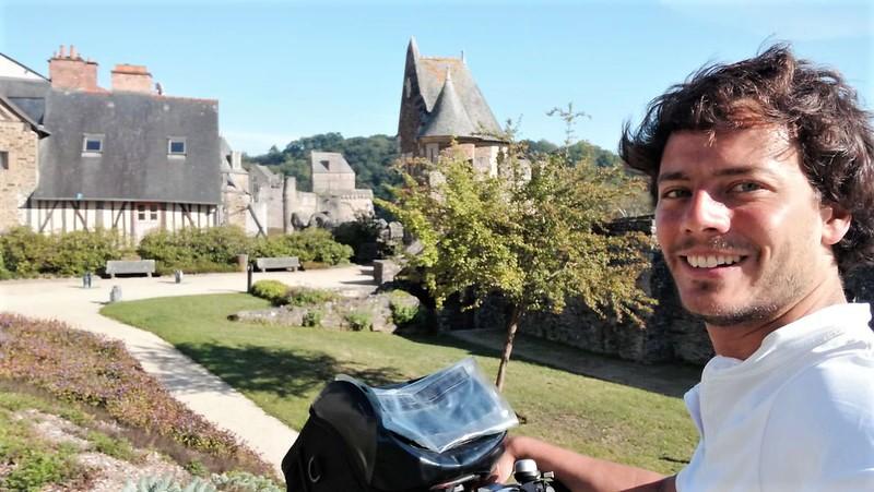 Fougères depuis le jardin du Val Nançon